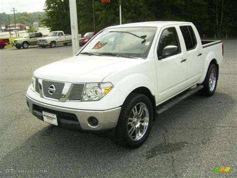 white nissan frontier 2007 avalanche white nissan frontier se crew cab 17548115
