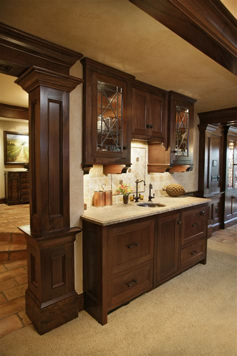 Kitchen Designer Chicago Oil Rubbed Bronze Hardware On Darker Cabinets