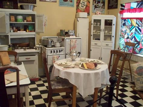 country vintage home decor 1940 s kitchen 1940 s style kitchen 1940 s kitchens in
