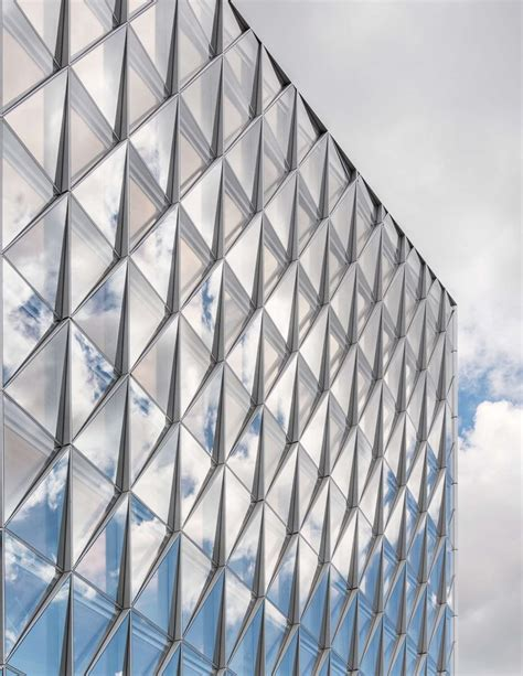 curtain wall facade the innovative closed cavity facade system developed for