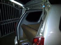 Shock Pintu Bagasi Nissan Terrano Sepasang shock bagasi mobil shock bagasi pintu belakang
