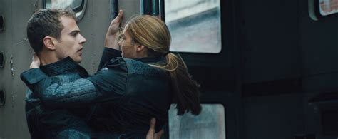 new look at shailene woodley and theo james in divergent