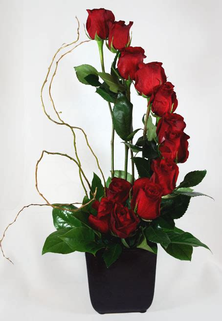 arrangement of flowers flower wallpaper free red roses flower arrangements