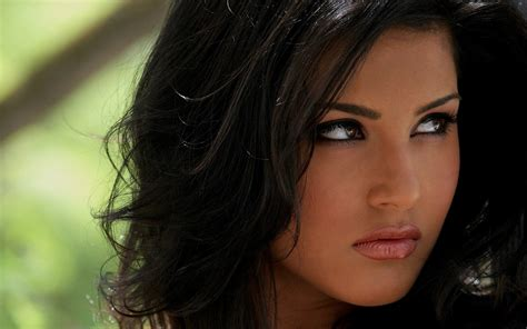 latest girl wallpaper top 101 reviews sunny leone hd wallpapers sunny leone