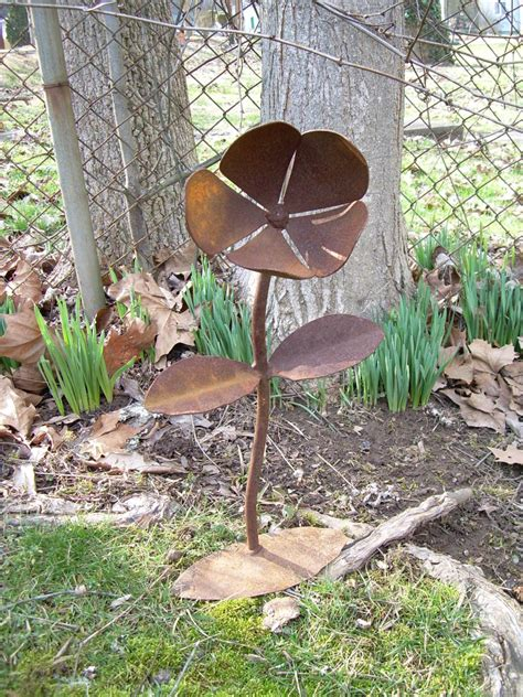 rustic metal yard flower lawn art sculpture wv crafted