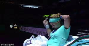 kuznetsova cuts her own hair to beat radwanska svetlana kuznetsova has haircut on court before fighting