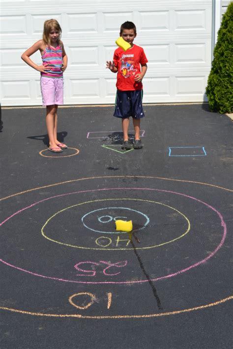easy backyard games 50 outdoor summer activities for kids six sisters stuff