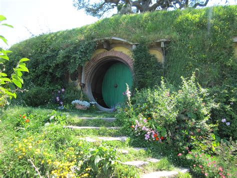 hobbit hole the shire lotr and hobbit movie set in matamata new