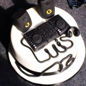 12 best images about dj torta on pinterest radios birthday cakes and gifts