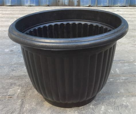 Pot Warna Untuk Tanaman Jual Pot Berwarna 085894576246 selatan jaya distributor barang plastik furnitur surabaya indonesia pot belimbing plastik