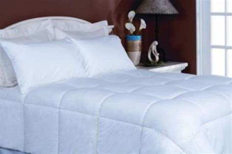 how to wash an alternative down comforter blueridge home fashions 233 thread count alternative down