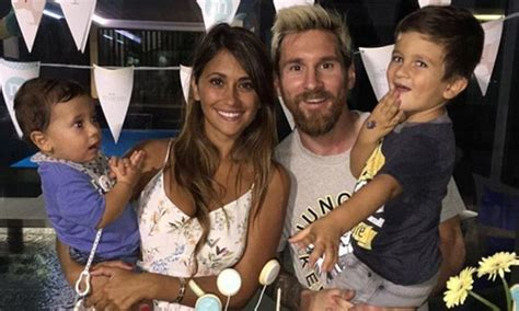 messi tattoo mateo leo messi and antonella roccuzzo get matching tattoos