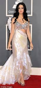 katy perry wedding dress cee s katy perry and brand 39s wedding gatecrashed by tiger in indian jungle