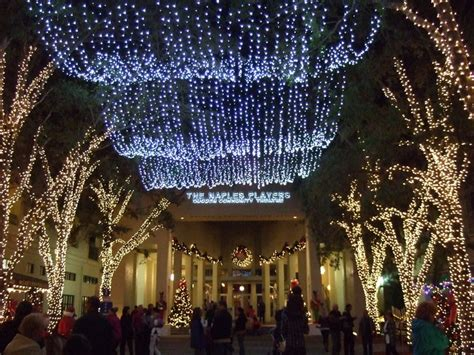 naples 5th avenue south during christmas time beautiful