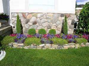 Small Garden Bed Design Ideas Decorating Flower Beds Small Yard Landscape Flower Beds Yard Designs Decorating Ideas