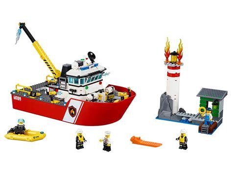 lego fire boat uk lego city 60109 fire boat mattonito