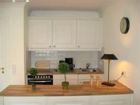 offene küche tresen farbgestaltung wohnzimmer beige