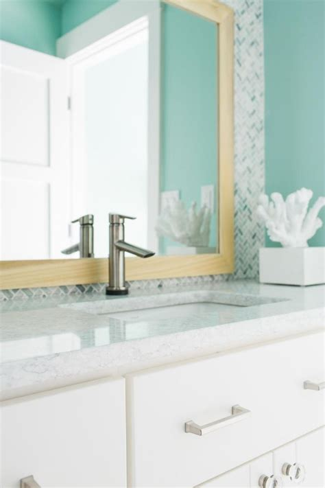 create a welcoming guest bathroom hgtv 1000 images about hgtv dream home 2016 on pinterest