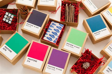 Inexpensive Advent Calendar Gifts Make This Diy Pantone Advent Calendar In 5 Minutes