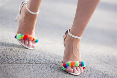 Heels Pome my business look with diy aquazzura pom pom heels cats