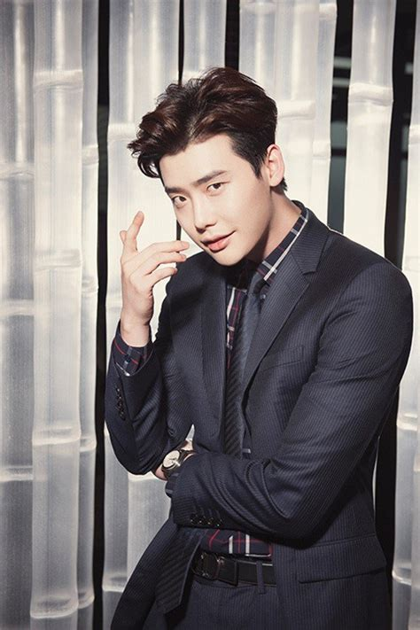 film lee jong suk terbaik song joong ki vs lee jong suk your favourite suit styles