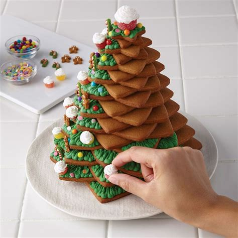 1000 ideas about christmas gingerbread house on pinterest