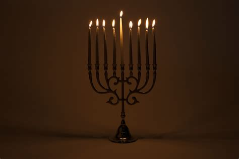 how to light a menorah chanukah menorah light bulbs 28 images how to light