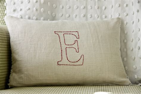 Easy Diy Pillows by The Farmer S Nest Embroidered Pillow Diy