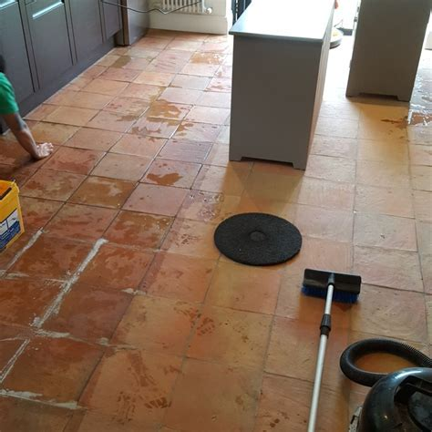 Cleaning a 90m2 Spanish Terracotta Tiled Kitchen Floor in