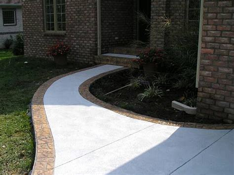 Decorative Concrete Walkways by Steps And Sidewalks In Decorative Concrete