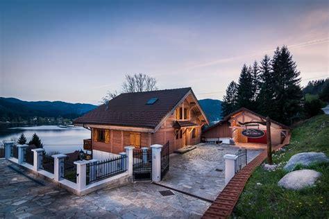 chalet grand standing avec piscine interieure chauffee lorraine 866552 abritel