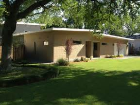 what is a mid century modern home mid century modern home in bluffview contemporary