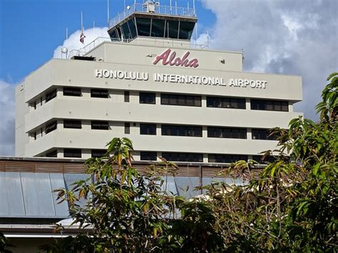 The Rights Of Intl a guide to choosing the right airport when flying to hawaii