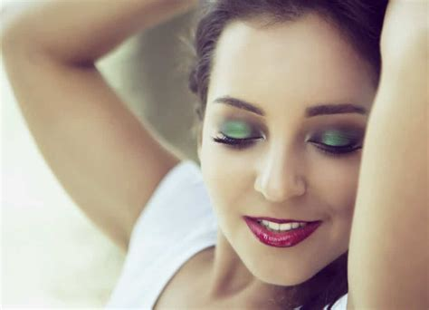 crossdressing makeup tips the order to put on makeup for
