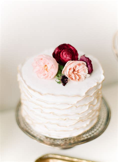 Wedding Cakes Small Simple by Small Wedding Cakes For Intimate Ceremonies 187 Elopements