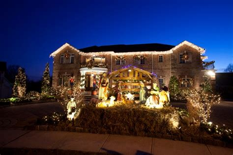 buddy valastro house buddy valastro opts for state of the art christmas decorations