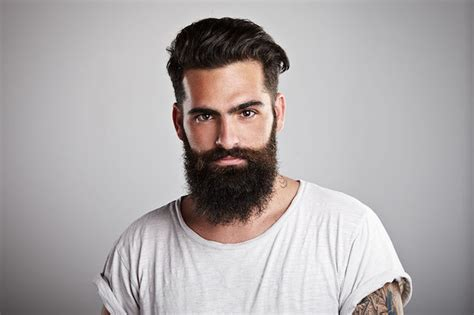 Bewerbungsfoto Dreitagebart combien de temps se laisser pousser la barbe pour qu