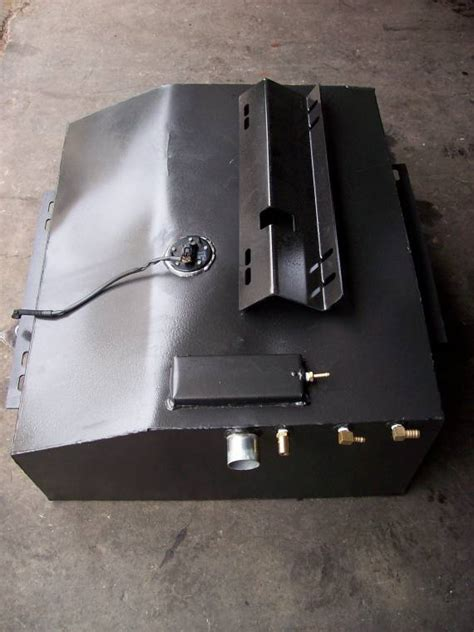 Fuel Tank Capacity Of Toyota Land Cruiser 4wd Systems Gear To Goannawhere