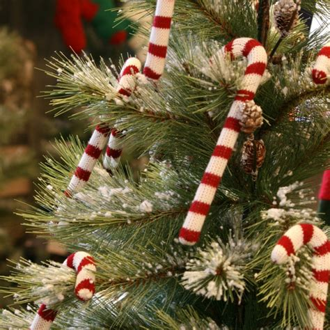 homemade christmas tree decorations a diy christmas decorating your home on a budget