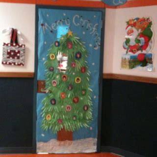 med lab christmas door 104 best images about door decor on dr seuss computer lab and computer lab