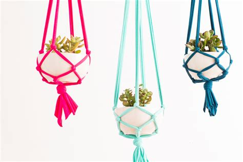 Macrame Plant Holder Tutorial - amazing macrame tutorials