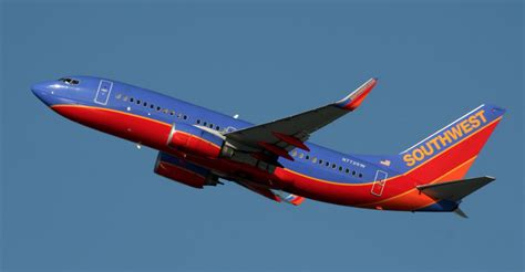 southwest adds st louis flights from des moines drops chicago midway service whotv