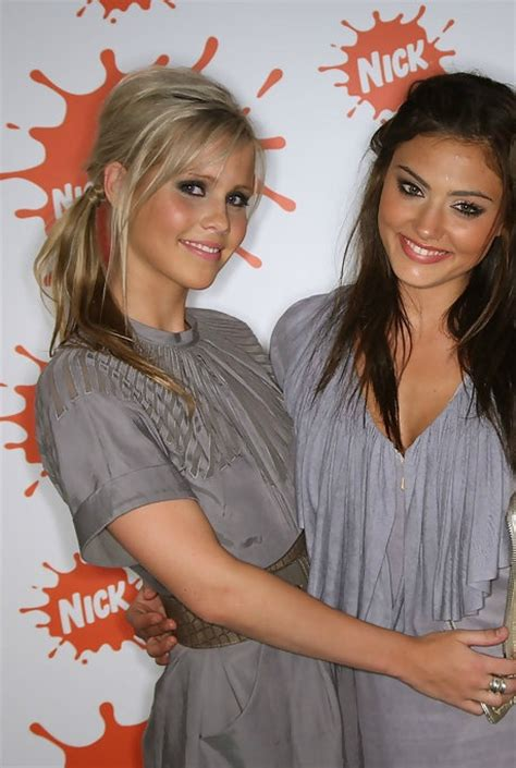 claire holt wikipedia the free encyclopedia phoebe tonkin claire holt has been bestfriends since