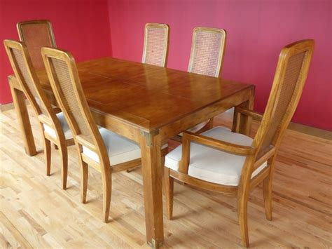 Henredon Dining Table And Chairs Beautiful Henredon Dining Table And Chairs Marvas And Henredon Walnut And Mahogany Desk Dining