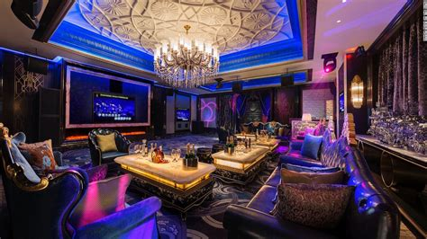 Nyc Private Dining Rooms Inside Shanghai S First Quot Seven Star Quot Hotel Cnn Com