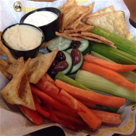 Buffalo Wings Gardens by Buffalo Wings 165 Photos 400 Reviews American Traditional 200 Montgomery