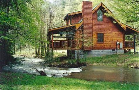 creekside cabin has 2 bedrooms and sleeps 4 smoky