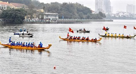 dragon boat racing vietnam over 700 racers to attend the dragon boat racing in hanoi