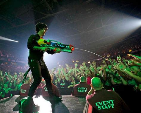 green day illuminati 42 nonconforming facts about green day