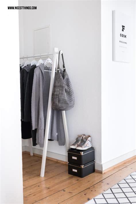 Ideen Für Garderobe Flur by Kleiderstange Diy Holz